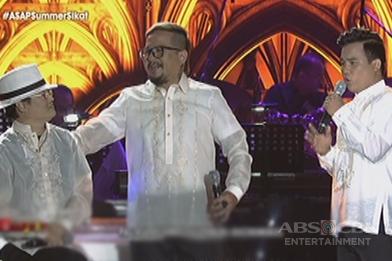 Lloyd Umali and Noven Belleza sing