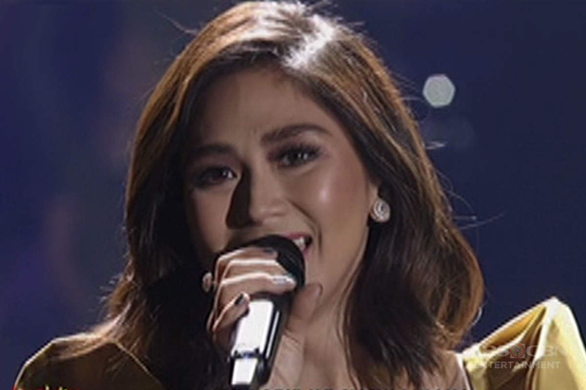 Sarah Geronimo sings
