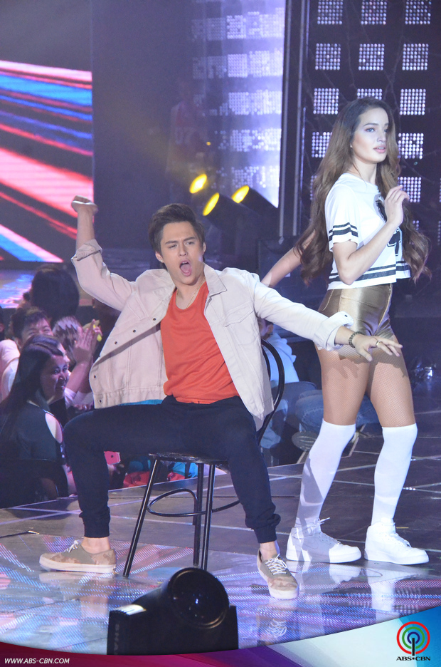1-Enrique-Gil-and-Sarah-Lahbati-on-ASAP20.jpg