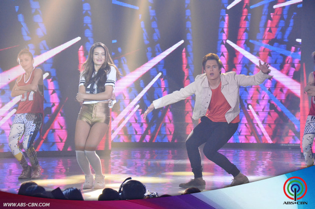 27-Enrique-Gil-and-Sarah-Lahbati-on-ASAP20.jpg