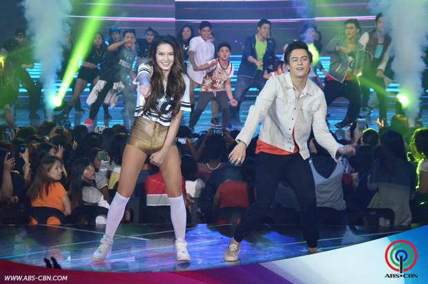 28-Enrique-Gil-and-Sarah-Lahbati-on-ASAP20.jpg