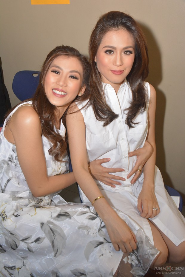 LOOK: Alex Gonzaga, holding her Ate Toni's baby bump