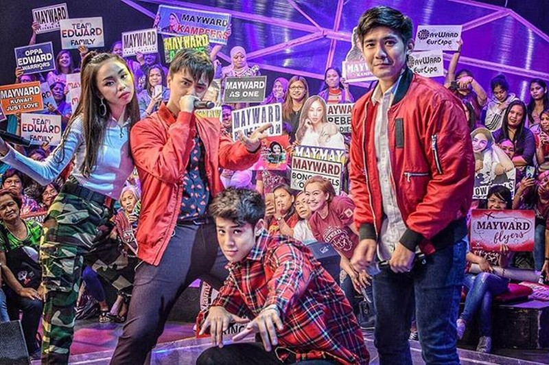 LOOK: Maymay, Edward, Donny and Robi's off cam kulitan  on iWant ASAP