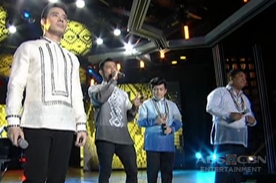 Erik Santos together with Tres Kantos sing