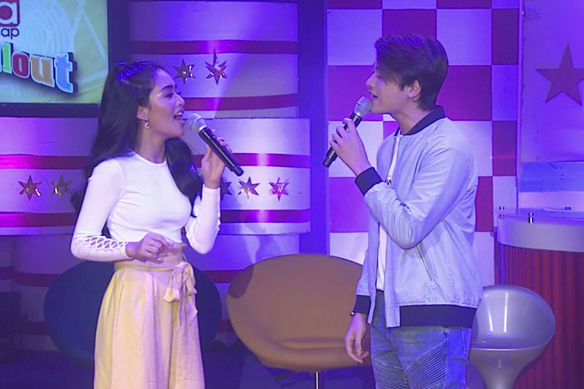 Vivoree and CK perform their cover of 'Rewrite The Stars' on ASAP Chillout
